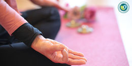 【ヘルスツーリズム認証プログラム】乳がんリハビリヨガ~乳がん経験者のためのヨガ~