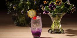 お酒が強くない人も必見!入荷限りの「エディブルフラワー」で作る希少な自家製「バイオレットフィズ」