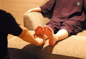 ご入館+台湾式足つぼマッサージ(30分)