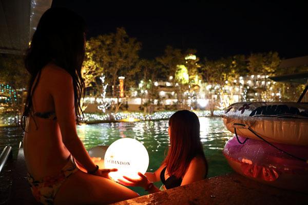 【レディースデー初開催】8月30日は女性限定50%OFF!サマーJ-POP&オールディーズナイトプール