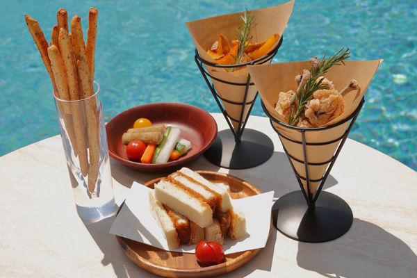 【天然温泉&プール&BBQを満喫】手ぶらで愉しめるプールサイドBBQ
