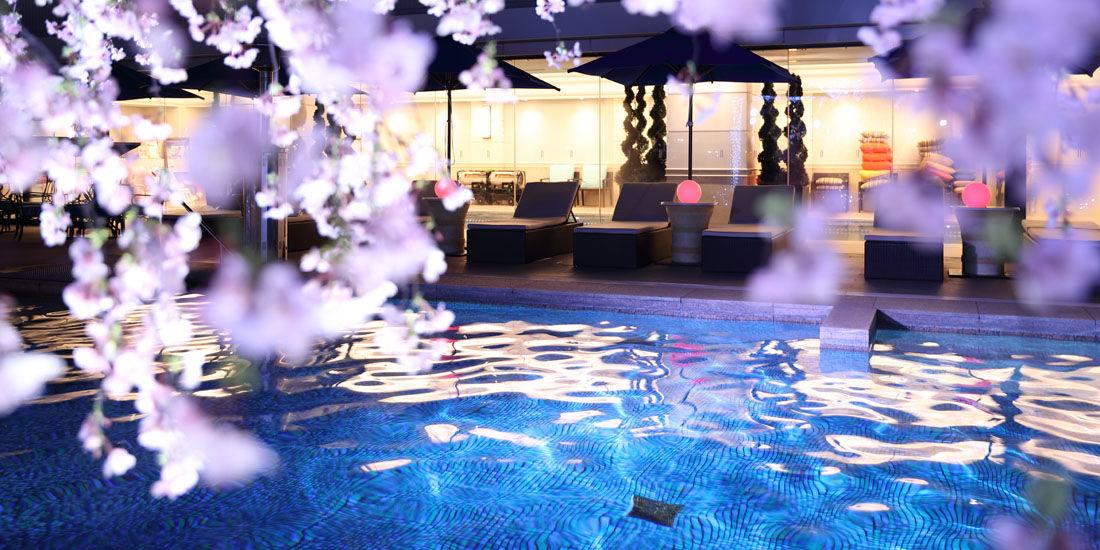 夜桜満開!KOBEで「SAKURAナイトプール」