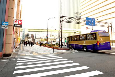 無料シャトルバス乗降場所の写真(南側から)