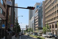 京町筋の交差点を南へまっすぐ進む。