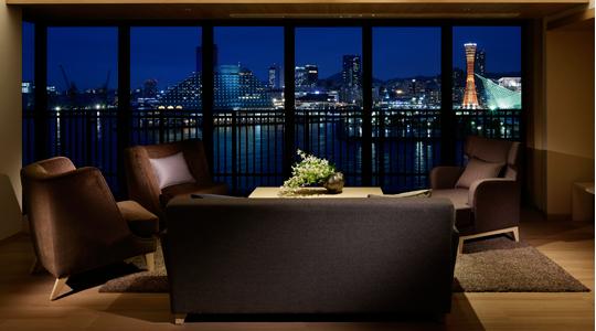 西側客室から見える神戸の夜景