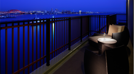 東側客室から見える神戸の夜景