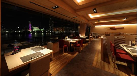 御食事処 ライブ割烹 万蓮から見える神戸の夜景