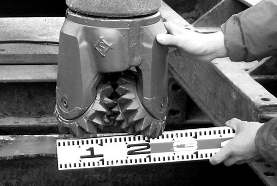 天然温泉の採掘しているイメージ写真2