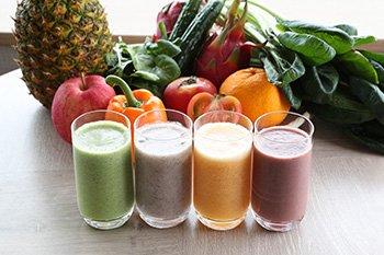 フレッシュフルーツと野菜のジュース