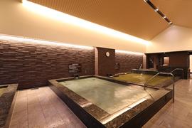 日帰り利用できる天然温泉の大浴場イメージ