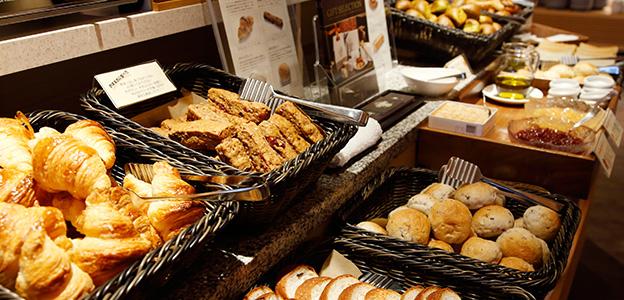 御御食事処 ライブ割烹 万蓮の朝食のパンラインナップ