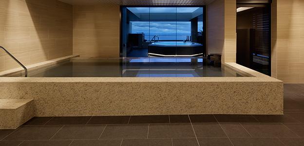 正面から見た展望大浴場内の内風呂