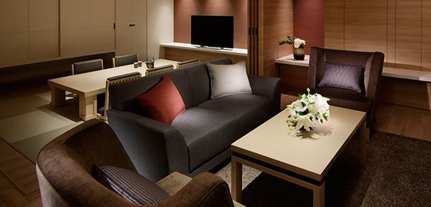 神戸港の夜景が存分に楽しめる客室2