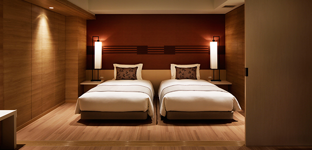 「神戸みなと温泉 蓮」客室内の寝室