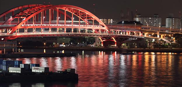 「神戸みなと温泉 蓮」から見える夜の神戸大橋