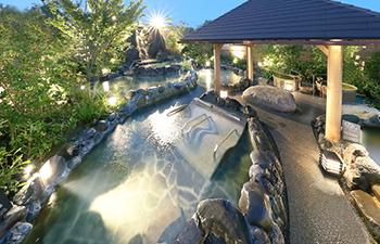 露天大浴場の全景写真