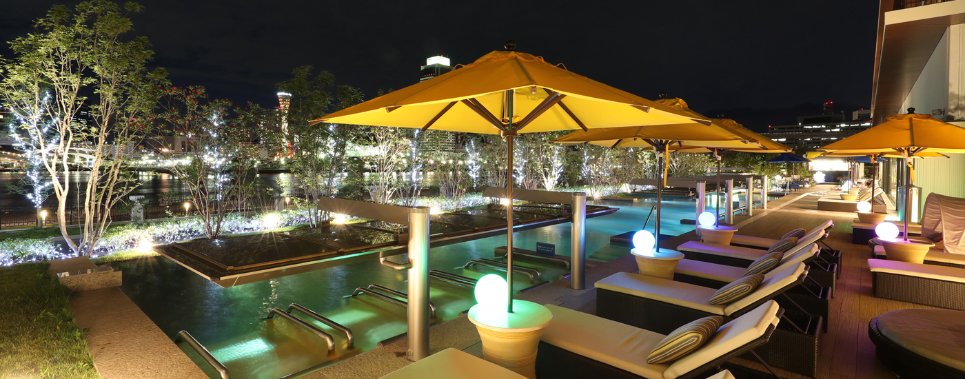 神戸みなと温泉 蓮オーシャンズプールの夜景