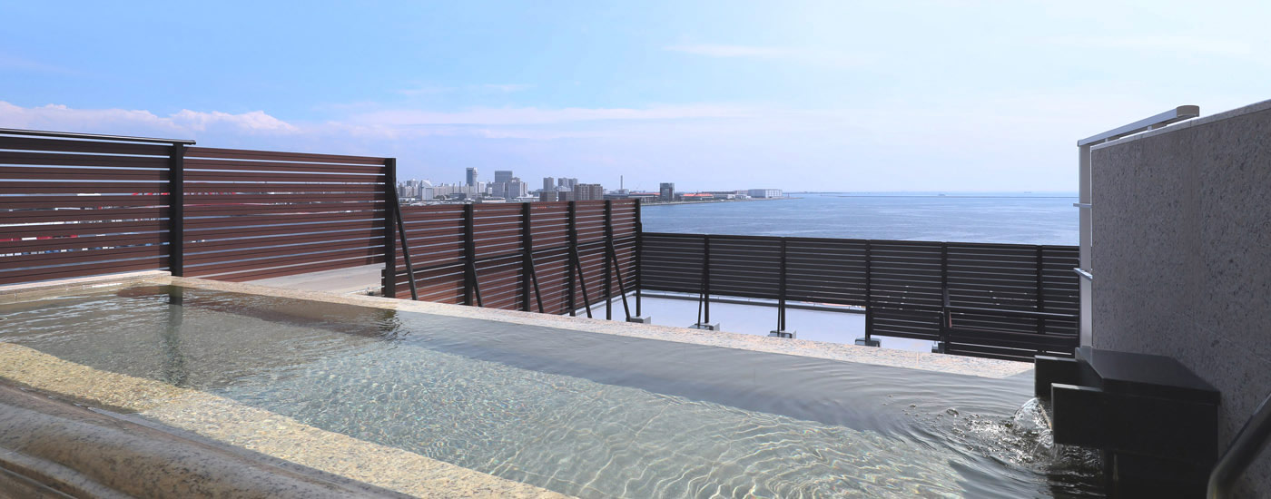 神戸みなと温泉 蓮の最上階にある旅館宿泊者専用施設「展望大浴場」