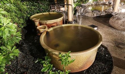 湯を独り占めする壺湯